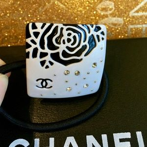 Adorable vip  gift flower hair tie